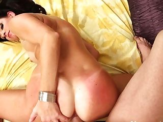 Terrific Booty Dick Rider India Summer Gets Absorbed With Providing A Suck Off